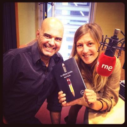 Xavier Borrell y Laura González, de Todos somos sospechosos en Radio 3, donde casi cada noche, difunden buena letra